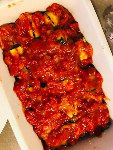 Courgetterolletjes met ricotta, geitenkaas en munt courgetterol 3
